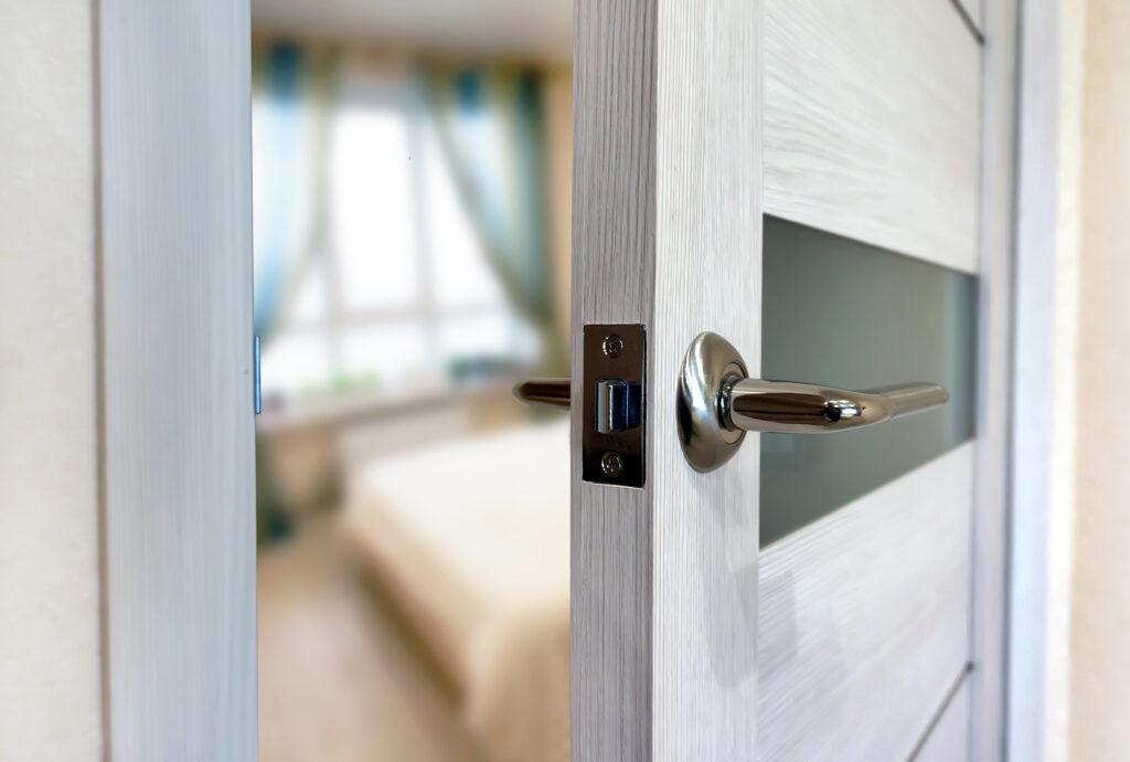 Εσωτερικές Πόρτες Laminate: 5 Σχέδια που αξίζουν την προσοχή σας