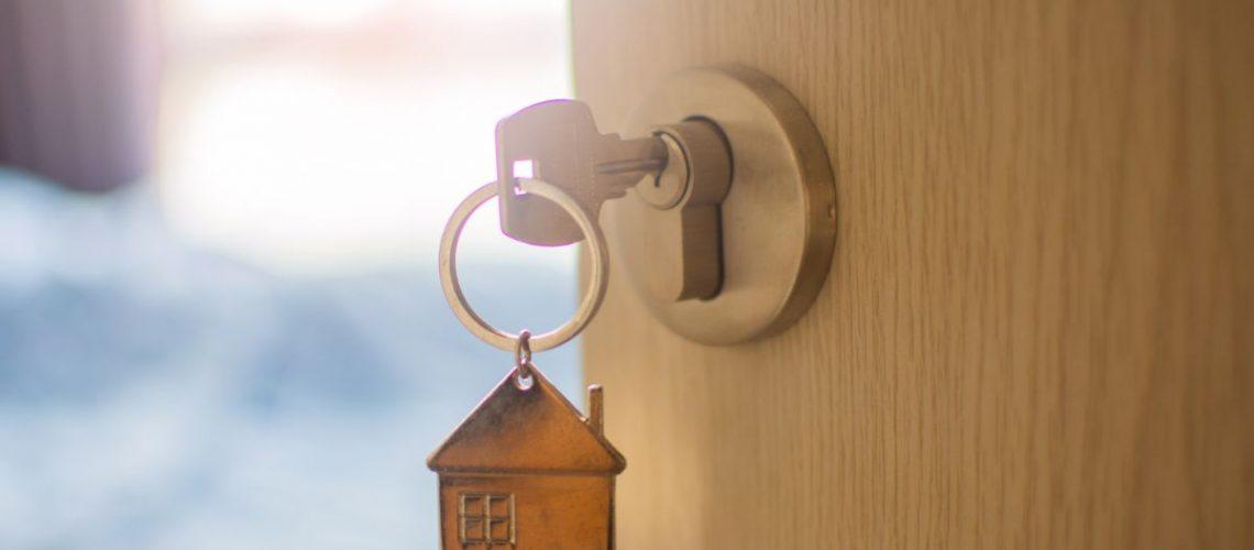 Πόρτες ασφαλείας Laminate: Θωρακίστε το σπίτι σας οικονομικά